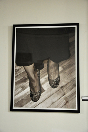 FANCY FEET 38x50 - $800